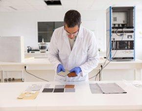 Chercheur en laboratoire Tipee